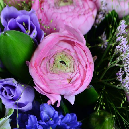 Bright spring bouquet 'Sweet kiss' with delivery in any city