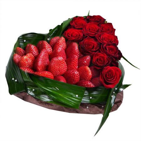 Product Heart of strawberry and roses